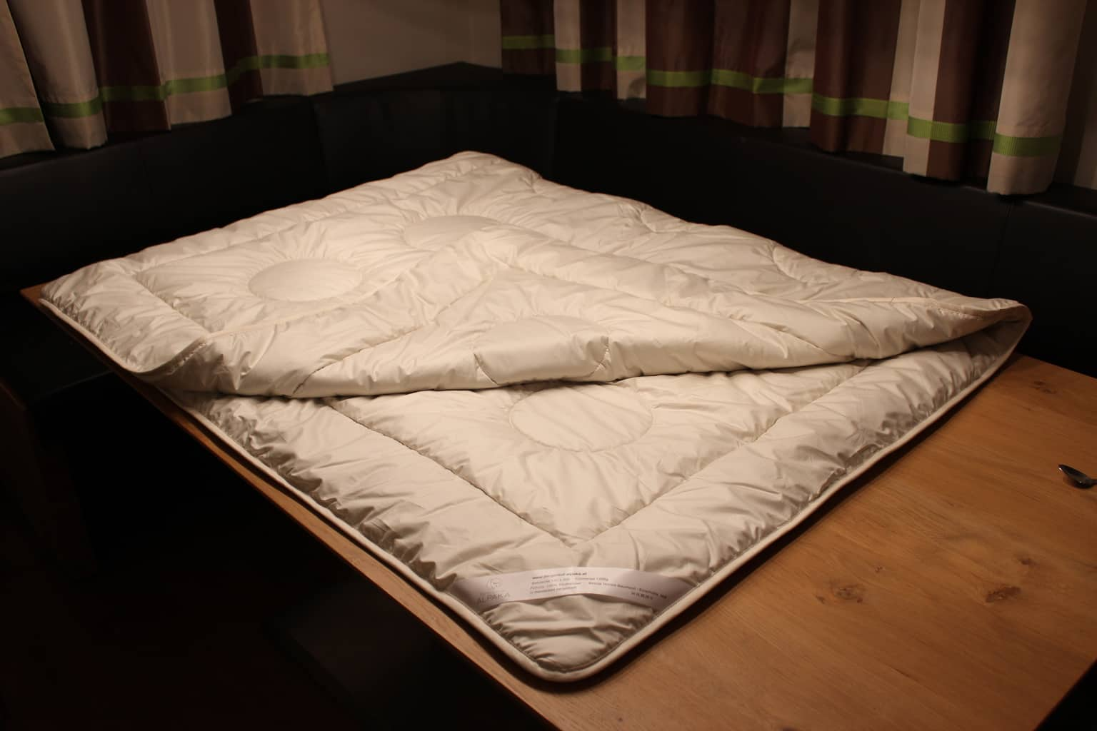 bettdecken f r allergiker geeignet kleines schlafzimmer mit schr ge einrichten ikea t ren. Black Bedroom Furniture Sets. Home Design Ideas